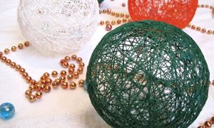 Изготавливаем декоративные шары из ниток и клея