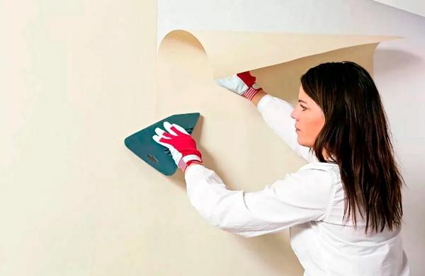 Как приклеить обои на водоэмульсионную краску